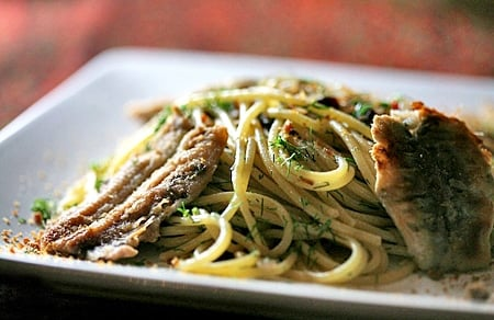spaghetti with fresh anchovies recipe
