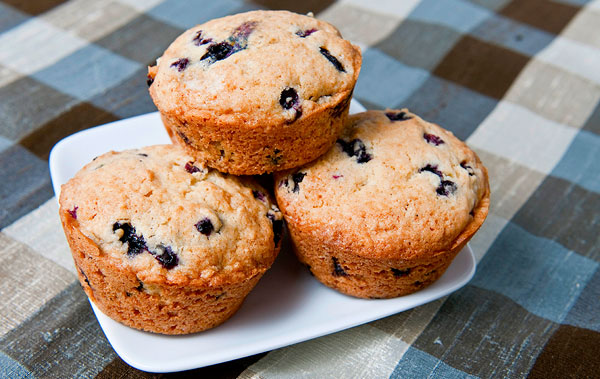 How to make huckleberry muffins