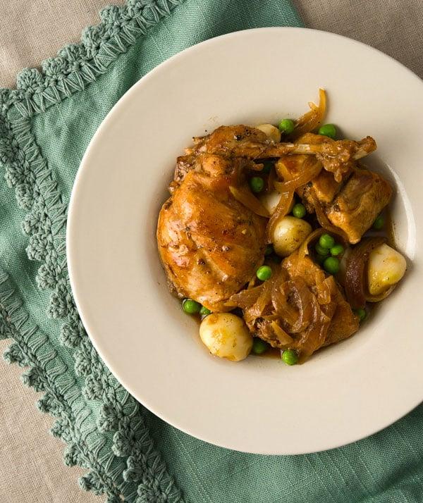 Braised rabbit with garlic recipe