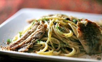spaghetti with fresh anchovies recipe