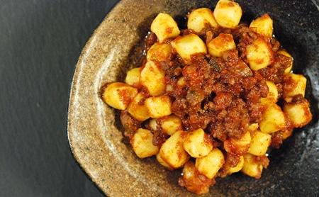 Sardinian semolina gnocchi with meat sauce