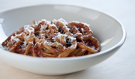 Tomato-fennel pasta sauce