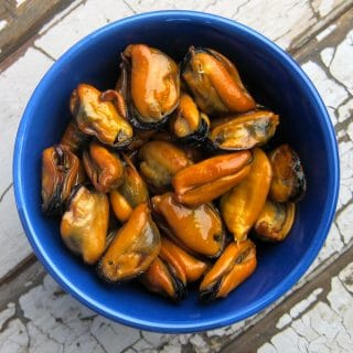 Smoked mussels made at home