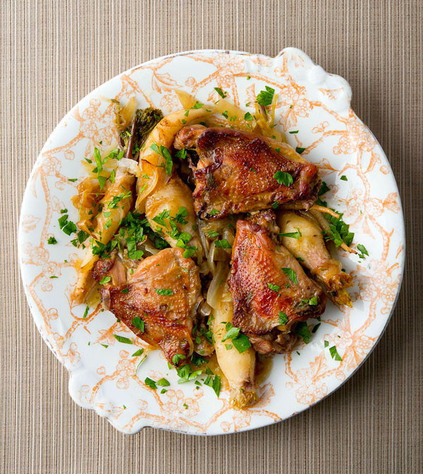 Pheasant thighs with garlic and root vegetables