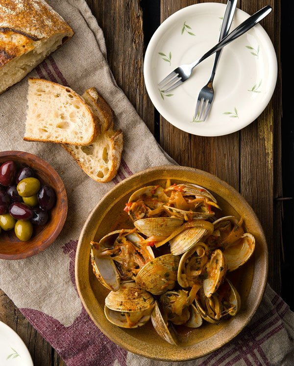 Spicy spanish clam recipe spicy spanish clams forumfinder Gallery