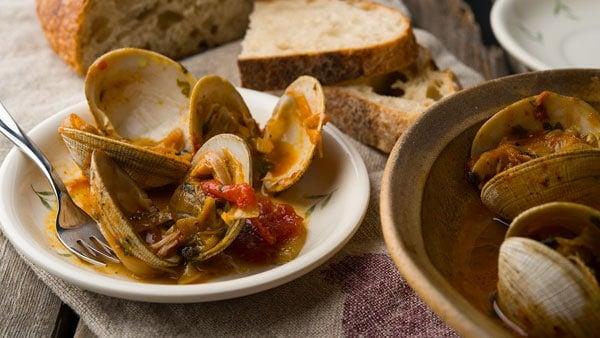 Spicy Spanish clams recipe