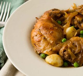 Braised rabbit with garlic
