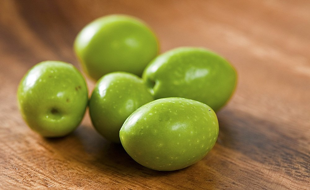 raw green olives
