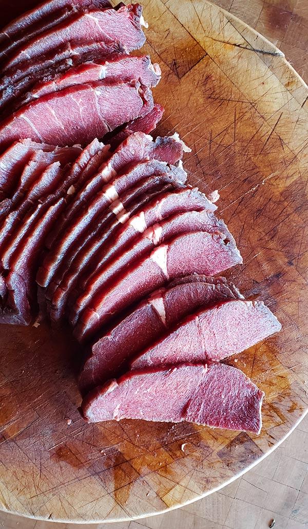 Slicing meat for carne seca