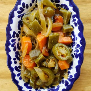 A bowl of nopales en escabeche