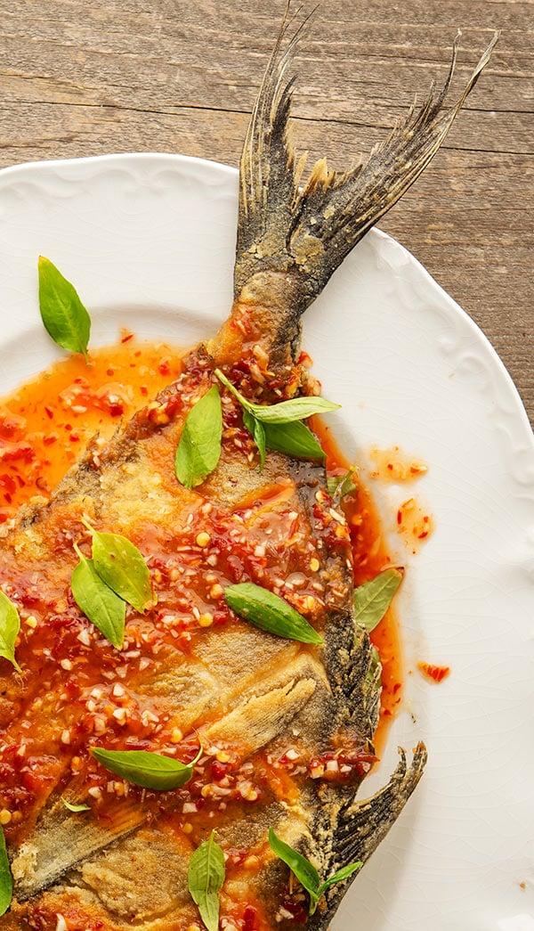 crispy pomfret fish with chile sauce