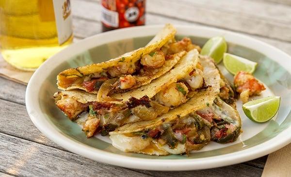 A plate of tacos gobernador