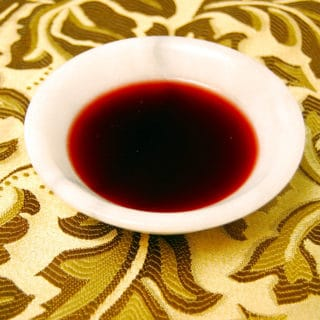 A bowl of fig syrup